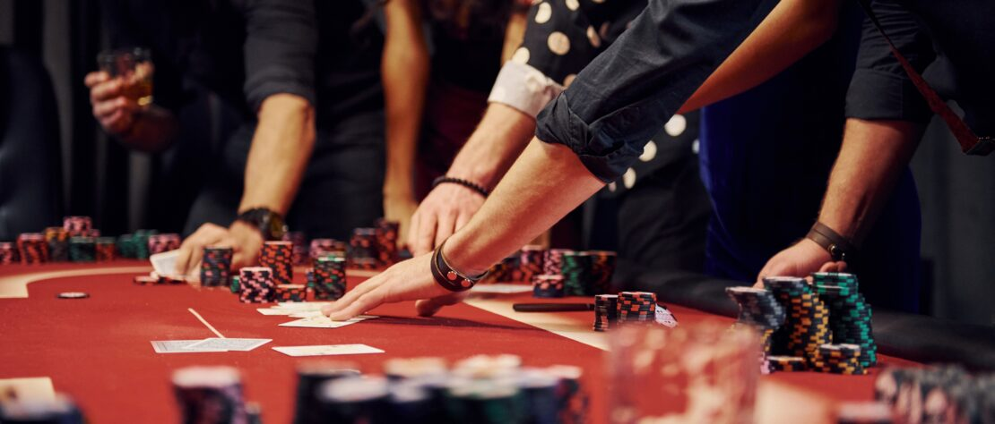 celebrities that love to gamble