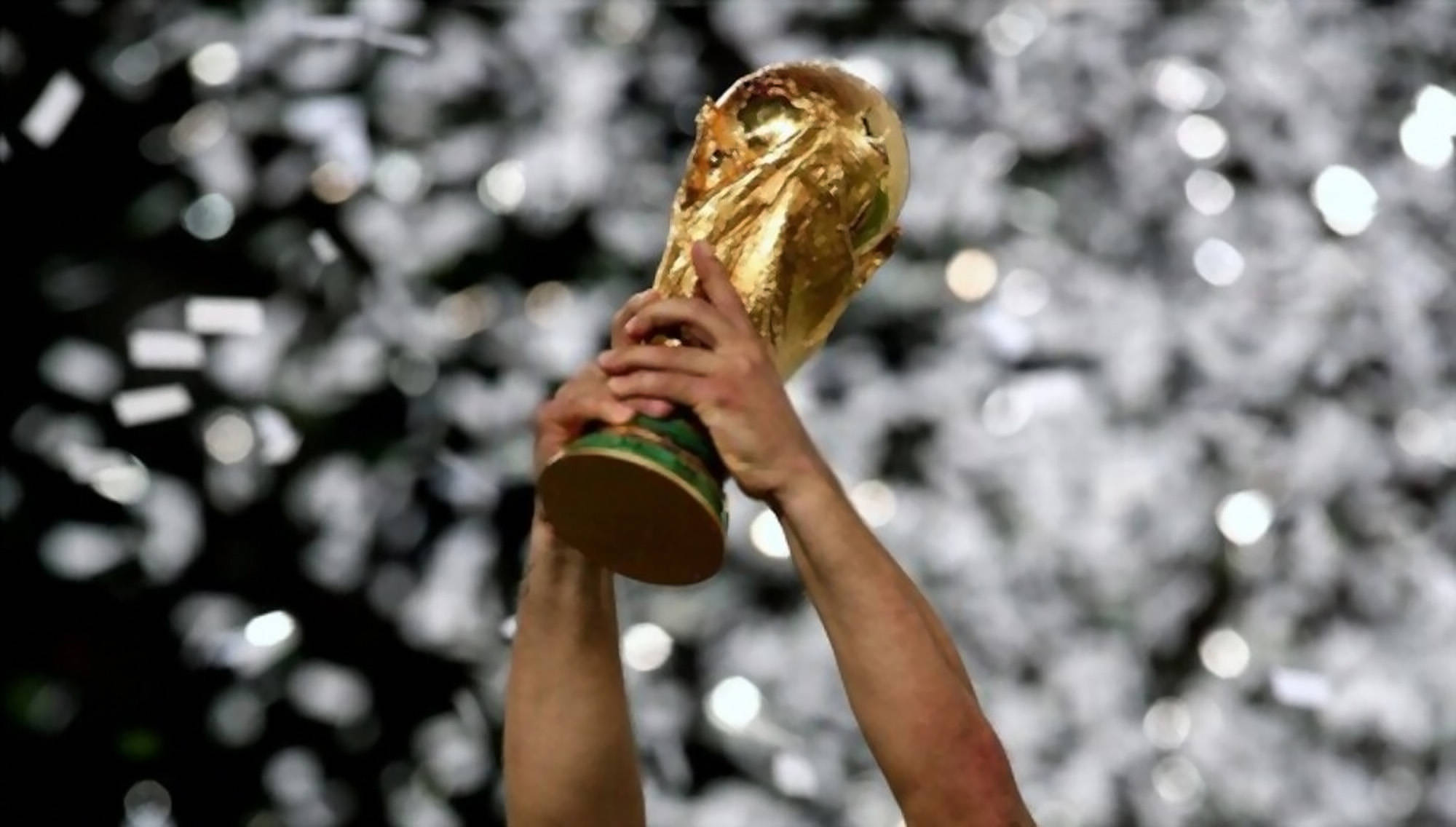 fifa-world-cup-2022-holding-trophy-celebration-beginners-guide-sports-betting-singapore-content-image