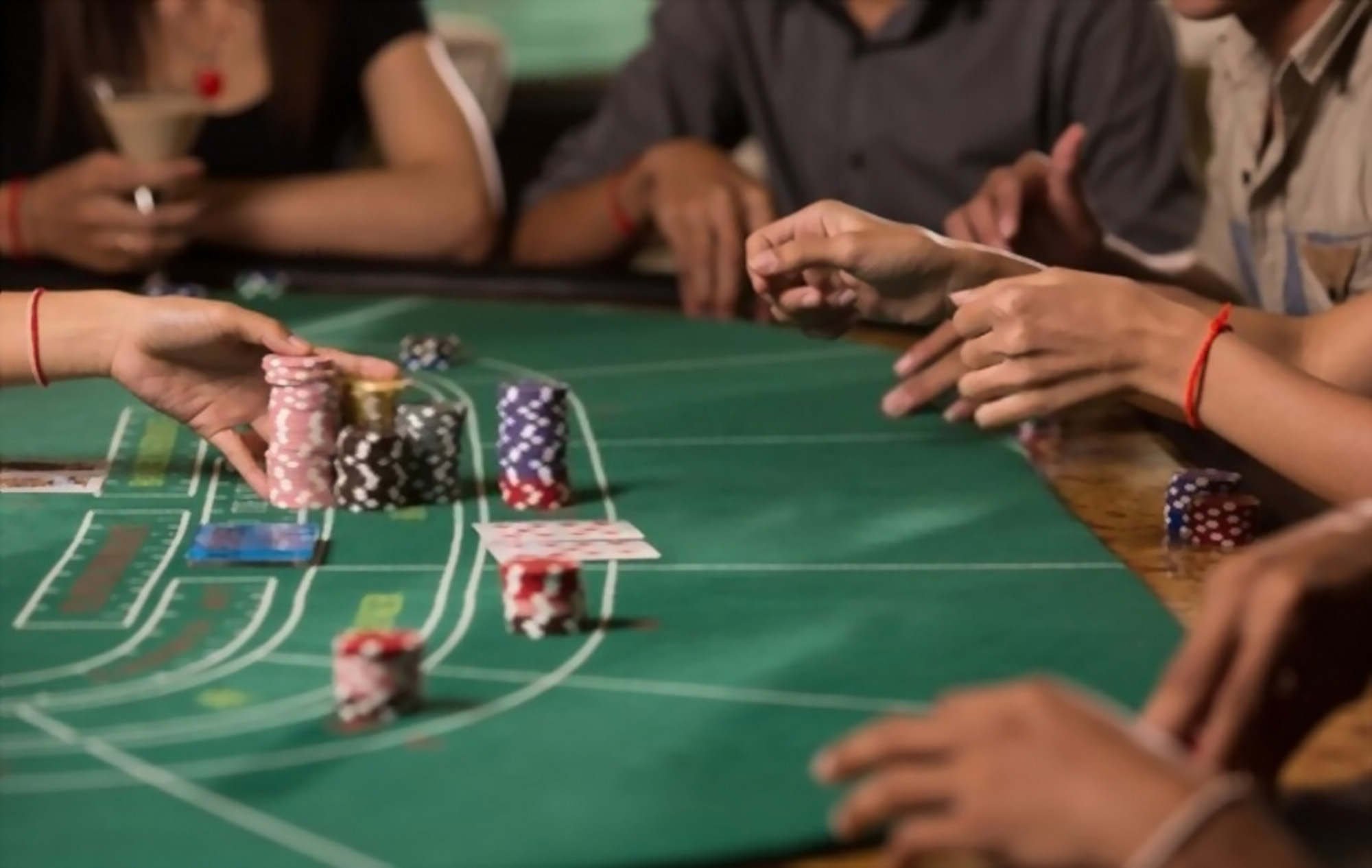 key-baccarat-terms-you-should-learn-game-in-table-content-image